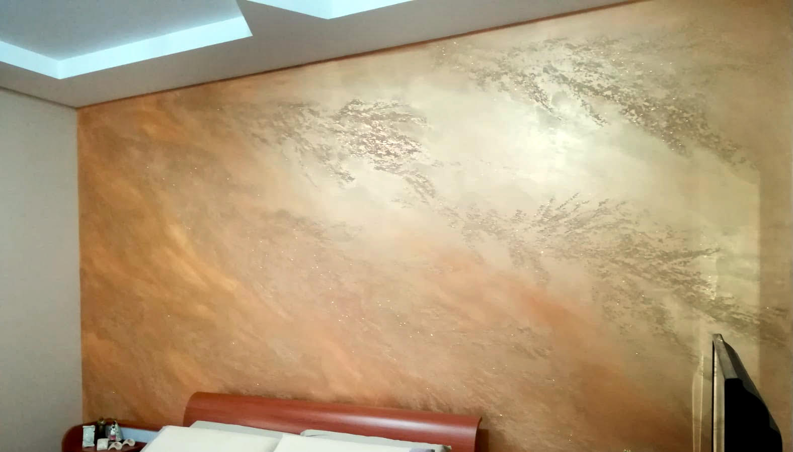 Plasmatore Italiano Mirko Muni: creazione decor wall Infinito + dorotea